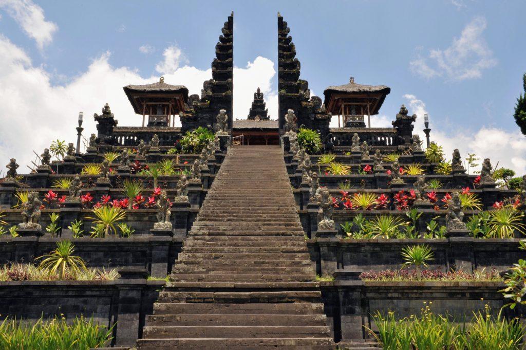Besakih Temple Бали