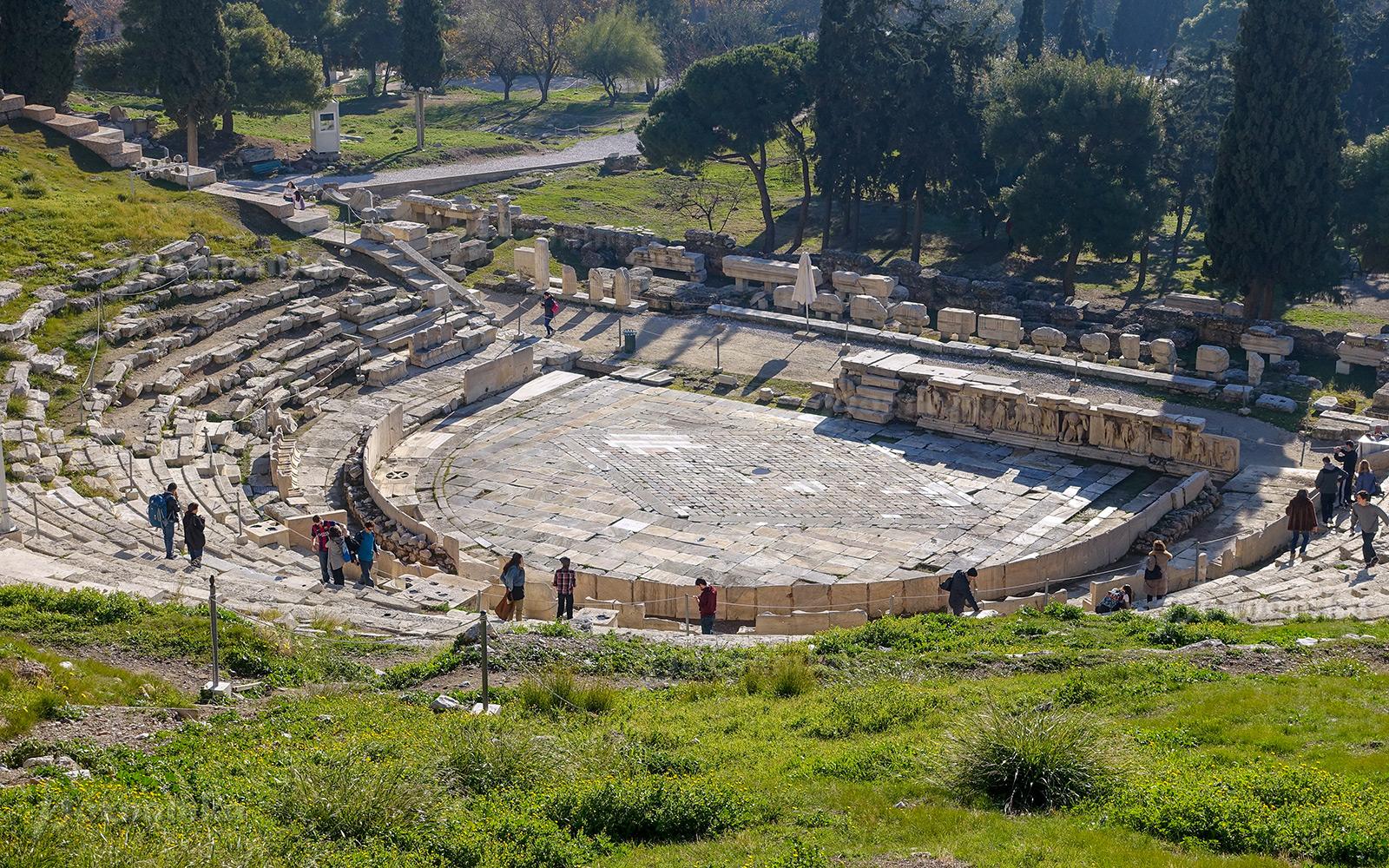 Театр Диониса в Афинах фото
