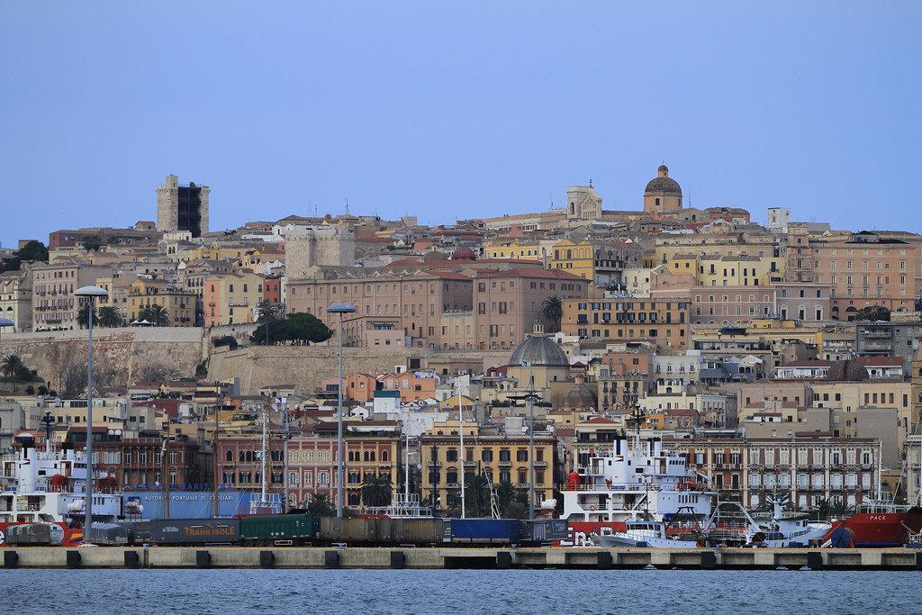Кальяри город в Италии фото